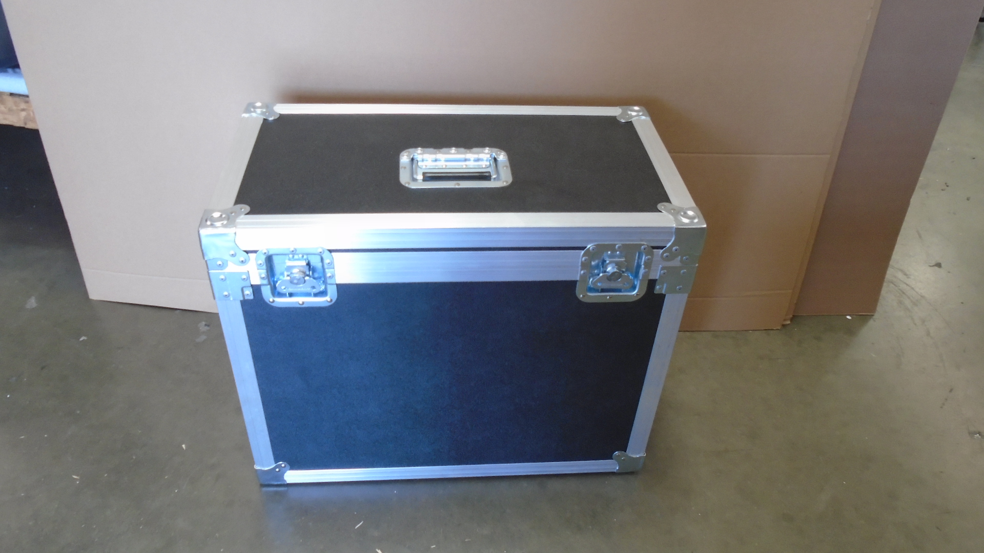 Print # 7673 - Custom Road Case for LMD-A240 LCD Monitor with Mount attached By Nelson Case Corp