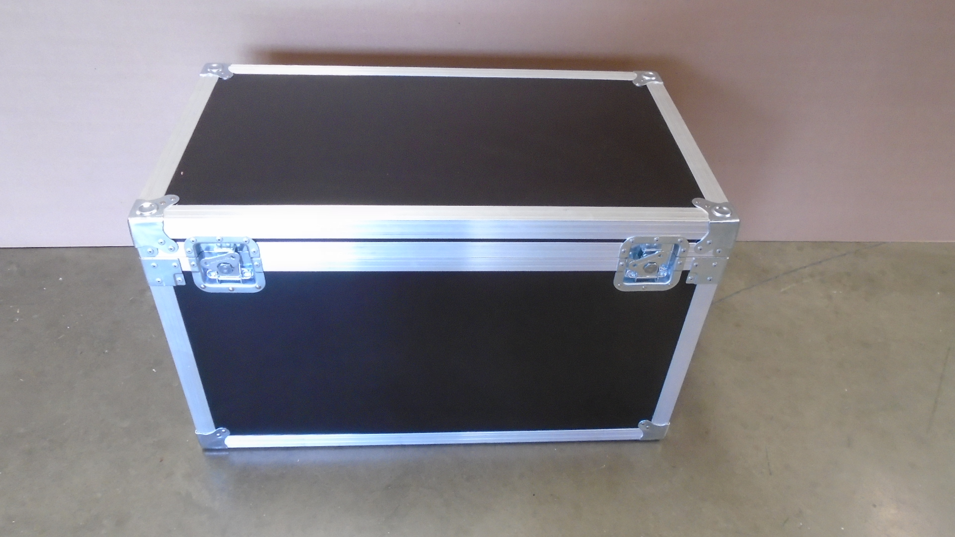 Print # 7681 - Custom Trunk Case 32 x 17 x 17 By Nelson Case Corp