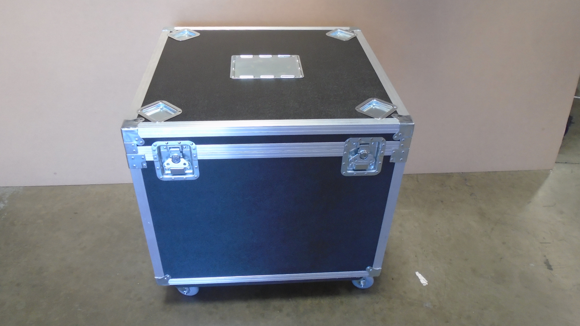 Print # 7691 - Custom Road Case for TrophyUnit By Nelson Case Corp